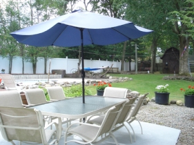 Fun Family Entertaining and relaxing Half Acre Secluded Yard at Wyscocki Ct