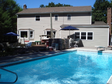 In-ground Pool, Vinyl siding